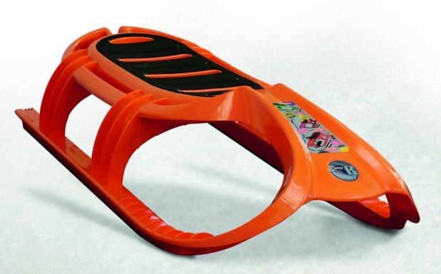 Für die auffällige, intensive Farbe ohne Schlieren an der Oberfläche ist eine gute Vormischung des Granulats mit dem Masterbatch notwendig. (Bildquelle: Werner Koch Maschinentechnik)
