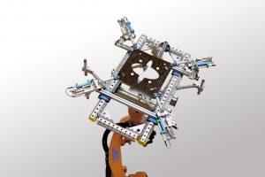 Greifer für vorgewärmte faserverstärkte Kunststoff-Teile
