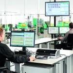 Die CAQ-Software lässt sich bidirektional in bestehende ERP/PPS/MES- oder MDE/BDE-Systemumgebungen  einbinden. Darüber hinaus ermöglicht eine Standardschnittstelle das Koppeln der Software mit dem Leitrechner-System ALS von Arburg. (Bildquelle: Arburg)