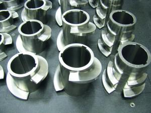 Mit der Hartbeschichtung eignen sich diese Extrusionsschnecken-Teile für das Verarbeiten eines hochabrasiven Kunststoff-Mineralien-Compounds. (Bildquelle: Hardide)