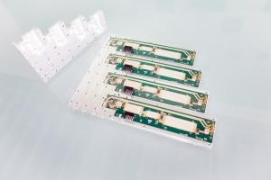 Die Terahertz-Sensorik des Sortiersystems basiert auf planaren Schaltungen. (Bildquelle: Fraunhofer FHR/Shoykhetbrod)