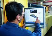 Steuerungstechnik senkt den Rohstoffverbrauch beim Kunststoff-Spritzgießen