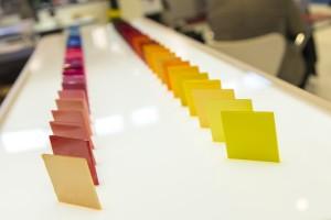(Farb-) Masterbatches, Additive und Filamente: Die Rohstoffhersteller bieten viele Neuheiten, die die Produktqualität erhöhen sowie das Verarbeiten vereinfachen. Auch die Palette an Biokunststoffe wird immer breiter. (Bildquelle: Schall)