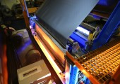 Spart Platz und Energie beim Kunststoff-Laminieren von Stahl