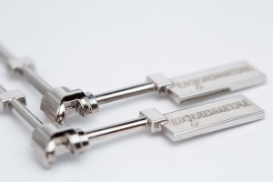In diesem Fall kommt die Legierung LM105 zum Einsatz. Sie besteht im Wesentlichen aus Zirkonium, Kupfer, Nickel, Berilium, Titan und Aluminium. Kilopreis: 200 bis 250 Euro (Einstiegspreis bei geringer Abnahme). (Bildquelle: Engel)
