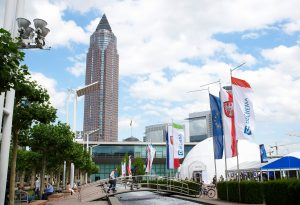 Messe Frankfurt und Dechema setzen Zusammenarbeit fort