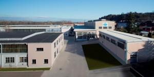 Wurden im Werk Traismauer, welches schon seit 1968 besteht, bislang ausschließlich Großblasanlagen gebaut, so werden dort nun auch die kleineren Verpackungsmaschinen auf der über 16.000 m² großen Fläche gebaut. (Bildquelle: Bekum)