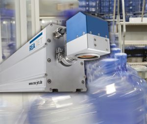 Der CO2-Laser mit Schutzklasse IP65 für die Getränkeindustrie. (Bildquelle Rea Jet)