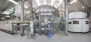 Die Anlage füllt pro Stunde bis zu 48.000 Flaschen in Formaten zwischen 0,3 und 1,5 Litern ab. (Bildquelle: KHS)