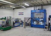 K 2016: Herstellung einer Lkw-Trittstufe im In-Mould-Coating-Verfahren