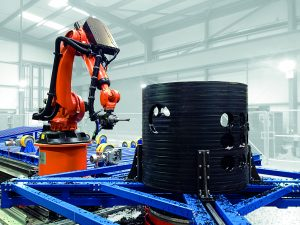 K 2016: Rohrbearbeitungszentrum mit integriertem Roboter