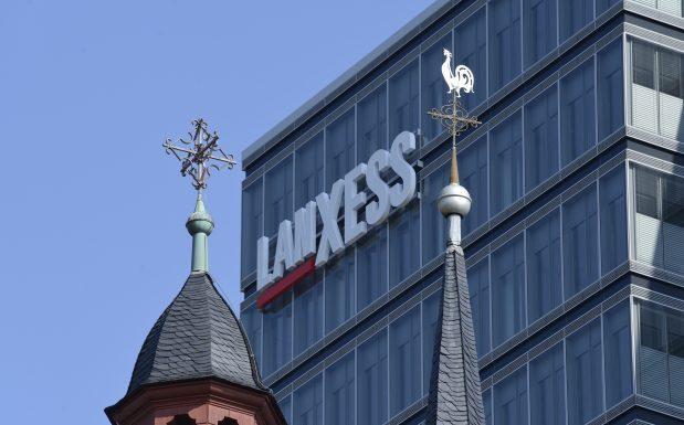 Platz 10 der größten deutschen Chemieriesen: Der Verband der Chemischen Industrie hat eine Liste der umsatzstärksten deutschen Chemieunternehmen veröffentlicht. Darin belegt Lanxess mit Sitz in Köln den 10. Platz, mit einem Jahresumsatz von 7,9 Mrd. Euro für 2015. (Bild: Lanxess)