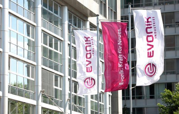 Platz 7 der größten deutschen Chemieriesen: ...Evonik in Essen, deren Jahresumsatz von 13,5 Mrd. Euro das Unternehmen auf Platz 7 bringt. (Bild: Evonik)