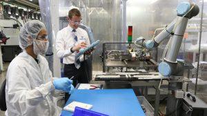Roboter sorgen für mehr Produktivität im Spritzguss