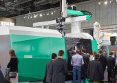 Arburg erobert hohen Schließkraftbereich mit neuer Spritzgießmaschine