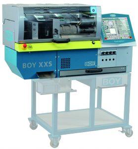 Die neue Tischmaschine mit einer Schießkraft von 63 kN ist mit einer Schneckenplastifizierung ausgerüstet. (Bildquelle: alle Dr. Boy)