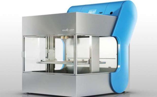 Der Evolizer von Evo-Tech, Schörfling am Attersee, Österreich, stellt Bauteile bis zu einer Größe von 270 x 210 x 210 mm im FDM-Verfahren her. (Bildquelle: Evo-Tech)