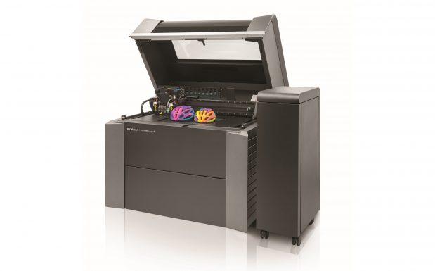 Die Objet-Serie von Stratasys, Rheinmünster, besteht aus Multijet-Druckern, wie der Objet 24 und 30, und  Multimaterial-3D-Druckern, wie den Objet Plus und Connex3. Alle arbeiten mit dem Polyjet-Verfahren. (Bildquelle: Stratasys)
