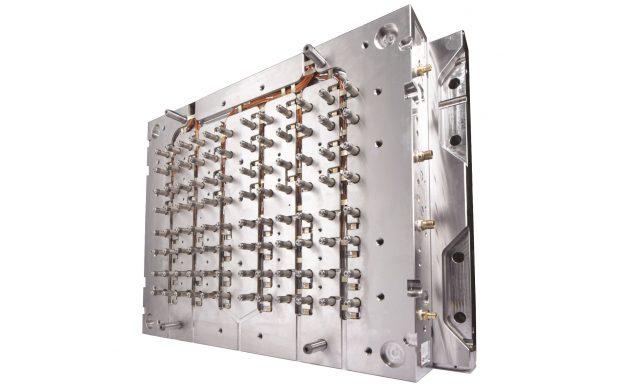 Heißkanalsysteme der Mold-Masters-Summit-Serie von Milacron, Cincinnati, USA, ermöglicht eine vierfach geringere thermische Variation gegenüber dem Sollwert im Vergleich zu Düsen mit Düsenheizbändern. (Bildquelle: Milacron)