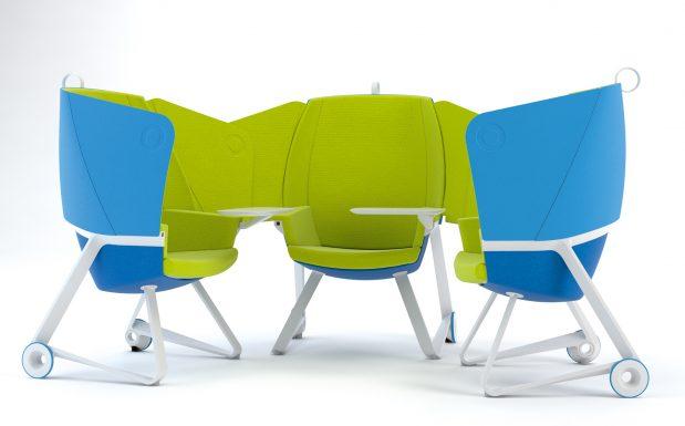 Der TeamUP ist ein Adhoc-Mikroarbeitsplatz, um Menschen zu verbinden, aber auch konzentrierte Einzelarbeit zu ermöglichen. Er bildet unabhängige Arbeitsräume und lässt sich individuellen Anforderungen anpassen. TeamUP verbindet die Mobilität und Funktionalität eines Seminarstuhls mit dem Komfort eines Sessels und der Atmosphäre eines privaten Raums. Co-creation von BASF, ITOP Design und Interstuhl. (Bildquelle: BASF)