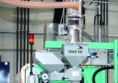 Eine zentrale Materialversorgung mit dezentraler Einfärbung sorgen für stabile Prozesse und niedrigen Energie- Materialverbrauch.