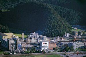 Hauptstandort der Unternehmensgruppe in Domat/Ems. (Bildquelle: Ems-Chemie)