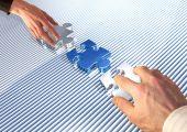 Evonik organisiert sien Additv-Geschäft um. Dazu legt der Konzern sein Silica-Geschäft und den kürzlich erworbenen Additv-Bereich von Air Products mit seiner Additve-Coatings-Sparte zusammen. (Bildquelle: Michael Nivelet – Fotolia.com)