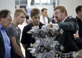 Für Schüler und Azubis gibt es auf der Moulding Expo viel zu entdecken. (Bildquelle: Landesmesse Stuttgart)