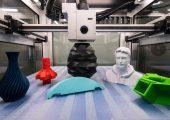 Die additive Fertigung für die Kleinserie zu etablieren, hat sich ein Verbundprojekt in NRW auf die Fahnen geschrieben. Ein Teilprojekt soll einen 3D-Drucker für 2 qm große Bauteile entwickeln. (Bildquelle: Wirtschaftsförderung Münster)