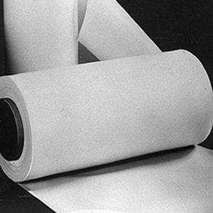 Die Folien und Platten werden bedarfsbezogen produziert und angeboten. (Bildquelle: Reichelt)