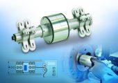 Die Inspektion erfolgt berührungslos mit Hilfe kapazitiver Sensoren, die gegenüberliegend angeordnet sind. (Bildquelle: Micro-Epsilon)