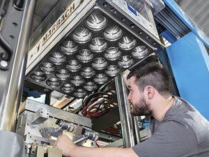 Die SR-Werkzeuge werden vom hauseigenen Stanzformenbau gefertigt. (Bildquelle: Marbach)