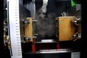 Bei einer Werkzeugtemperatur von 140 °C könnte nur durch eine Erhöhung der Strömungsgeschwindigkeit eine Druchströmung erreicht werden, was aufgrund der festgesetzten Geschwindigkeit von 0,45 m/s in der Praxis jedoch nicht erlaubt ist.
