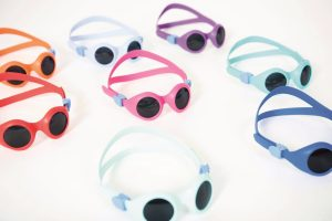 Das Material der Sonnenbrille ist gesundheitlich unbedenklich. (Bildquelle:  Kraiburg/Pyke)