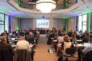 Rund 120 Teilnehmer aus 19 Ländern nutzten die zweitägige Vortragsveranstaltung zur Information und zum Erfahrungsaustausch.  (Bildquelle: Rigk)