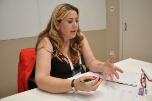 """Yolanda Martínez del Amo, Abteilungsleiterin Umwelt bei Molecor, erklärt selbstbewusst: """"In dem [Rohr-]Durchmesser über 500 mm können nur wir arbeiten.""""(Bildquelle: David Löh/Redaktion Plastverarbeiter)"""