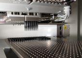 Vario TIP von Waldorf Technik, Engen, ist ein Anlagenkonzept zur Herstellung von beispielsweise Pipettenspitzen, Küvetten oder Reagenzgefäßen. (Bildquelle: Waldorf-Technik)