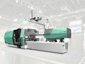 Hybride Spritzgießmaschine mit 6.500 kN Schließkraft, neuem Design und neuer Steuerung (Bildquelle: Arburg)
