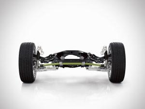 Der neue XC90 hat ein komplett neues Chassis, inklusive eines neuen integrierten Hinterachs-Lenkers. Die Hinterachse verfügt über eine neue Querfeder aus leichtem Verbundwerkstoff. Bildquelle: Henkel