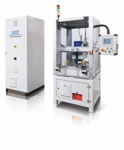 Die Laserschweißmaschine Inlineweld 6600 ermöglicht das quasisimultane Laserschweißen von zwei Bauteilen, wodurch sie eine Schweißzeit von zwei Sekunden pro Einheit erreicht. (Bildquelle: LPKF)