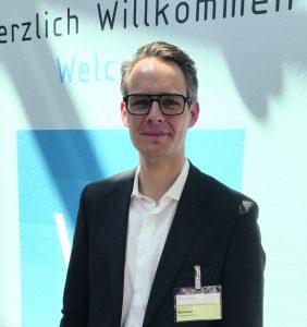 Frank Kerstan ist Global Program Manager Automotive Composites bei Henkel, Düsseldorf.(Bildquelle: Redaktion Plastverarbeiter, Dr. Etwina Gandert)