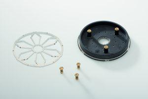 Fertige Bodenplatte mit Metalleinlegeteil und Gewindebuchsen (Bildquelle: alle Günther Heisskanaltechnik)