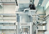 Auf der Presse werden momentan vor allem PKW-Strukturbauteile für die Elektromobilität gefertigt. (Bildquelle: TU Chemnitz)