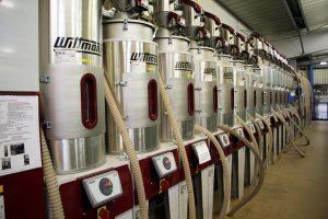 Über die Zentralförderanlage erfolgt die gesamte Materialversorgung.
