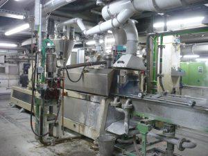 Die beim Extrudieren entstehenden Dämpfe muss der Betreiber zuverlässig absaugen. (Bildquelle: Keller Lufttechnik)