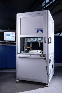 Die kompakte Ultraschallmaschine basiert auf der modular aufgebauten Schweißlösung Saphir. (Bildquelle: Weber Ultrasonics)