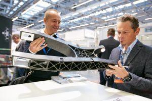 Der Markt für faserversträrkte Kunststoffe wächst – in Deutschland sogar überdurchschnittlich stark. Das ergab eine Studie des Branchenverbandes AVK. Von diesem Trend profitiert auch die Leichtbau-Messe Composites Europe in Stuttgart.