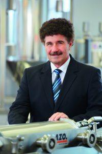 Robert Zimmermann hat das Unternehmen 27 Jahre lang erfolgreich geführt. (Bildquelle: Azo)
