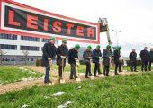 Feierlicher Spatenstich zum Ausbau der Produktionsstätte Sarnen. (Bildquelle: Leister)