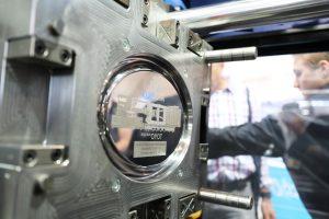 Vollelektrische Spritzgießmaschine (Bildquelle: Toyo/ Deckerform)